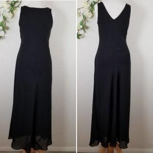 Alyn Paige Formal Black Sheath Dress - 7/8